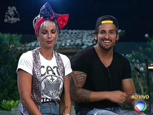 18.nov.2014 - Bruna Tang e Leo Rodriguez se enfrentam na décima roça de
