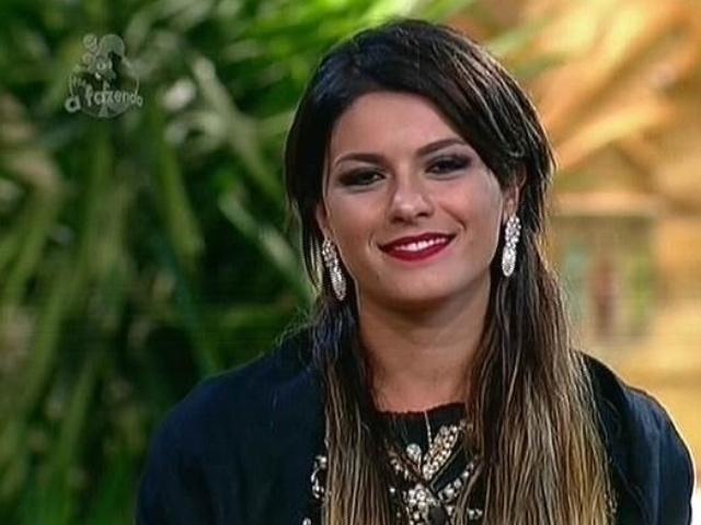 18.nov.2014 - Na roça contra Débora Lyra, Babi Rossi diz que quer continuar em