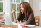 Você reconhece os sinais do distúrbio alimentar na adolescência? - Getty Images