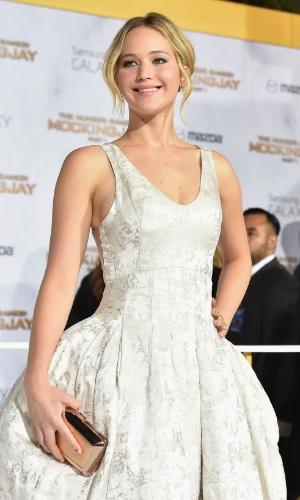 """17.nov.2014 - Jennifer Lawrence comparece à pré-estreia de """"Jogos Vorazes: A Esperança - Parte 1"""", na Califórnia"""