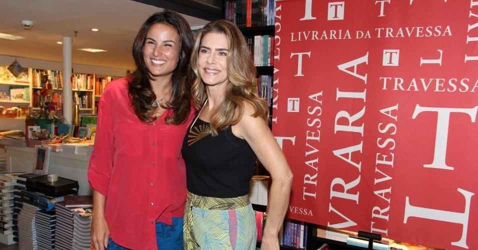 19.nov.2014 - Maitê Proença lança livro com a presença de amigos famosos