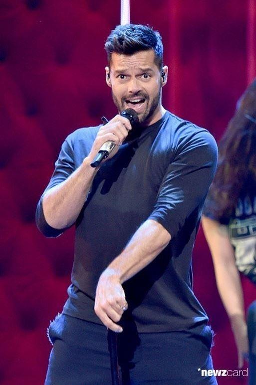 Ricky Martin ensaia para apresentação no Grammy Latino