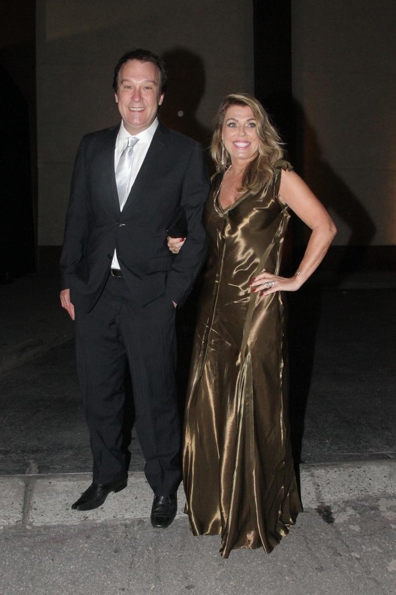 21.nov.2014 - O apresentador Emílio Surita no casamento de Rodrigo Scarpa e Gabi Baptista, em São Paulo