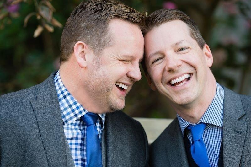 O produtor Scott Icenogle e o ator Sean Hayes se casam secretamente