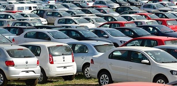 Pátio da Volkswagen em Taubaté (SP) ficou lotado durante quase todo o ano - Lucas Lacaz Ruiz/Fotoarena
