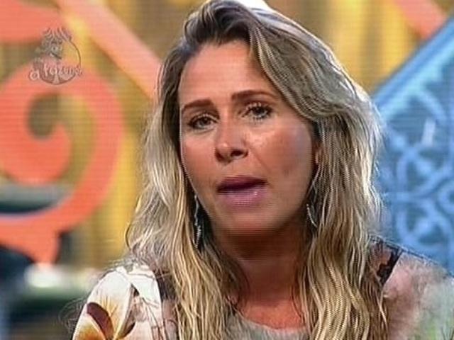 24.nov.2014 - Andréia Sorvetão vota em Pepê e Neném para a décima primeira roça de