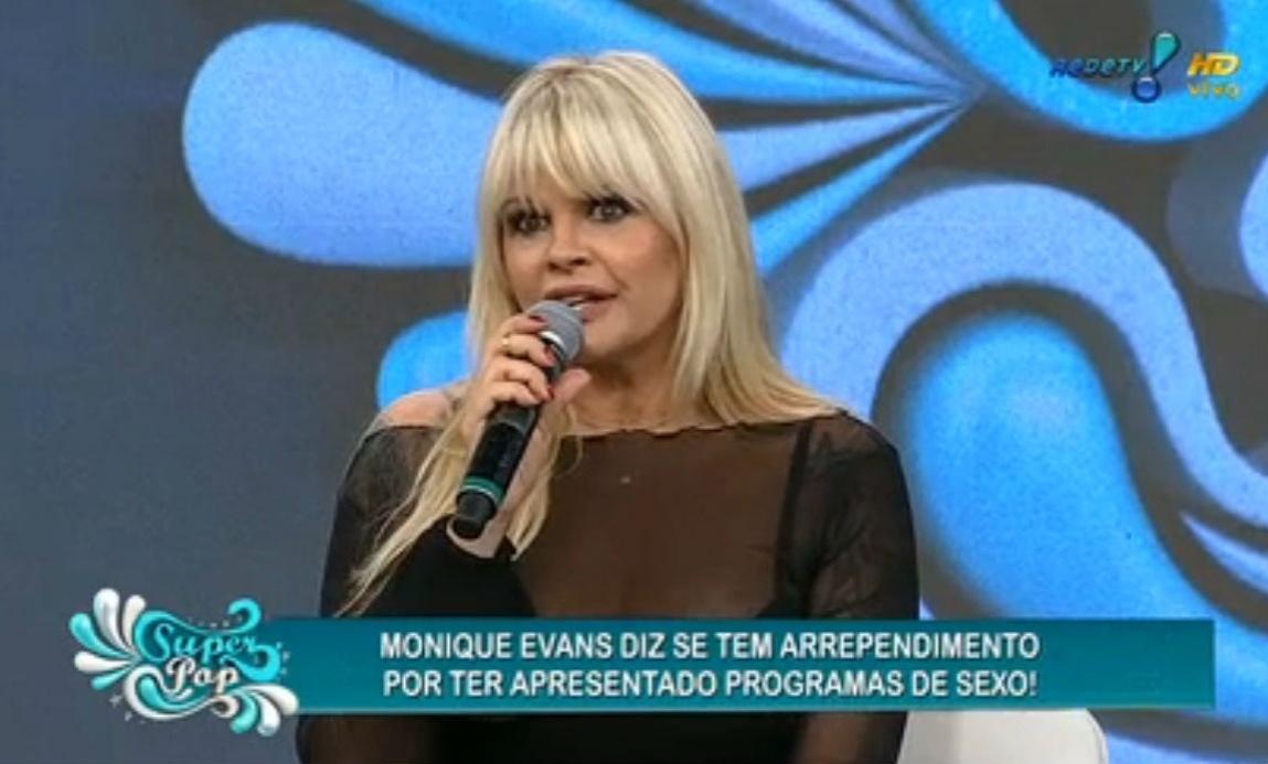 25.nov.2014 - Monique Evans