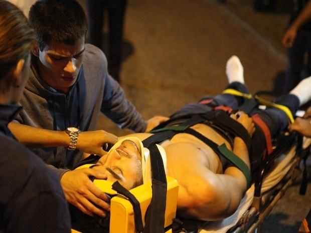 Alan ainda é socorrido após acidente, mas não resiste