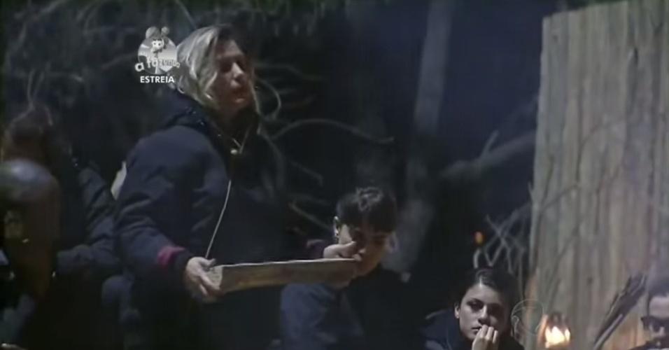 """14.set.2014 - Andréia Sorvetão participa de primeira atividade de """"A Fazenda 7"""""""