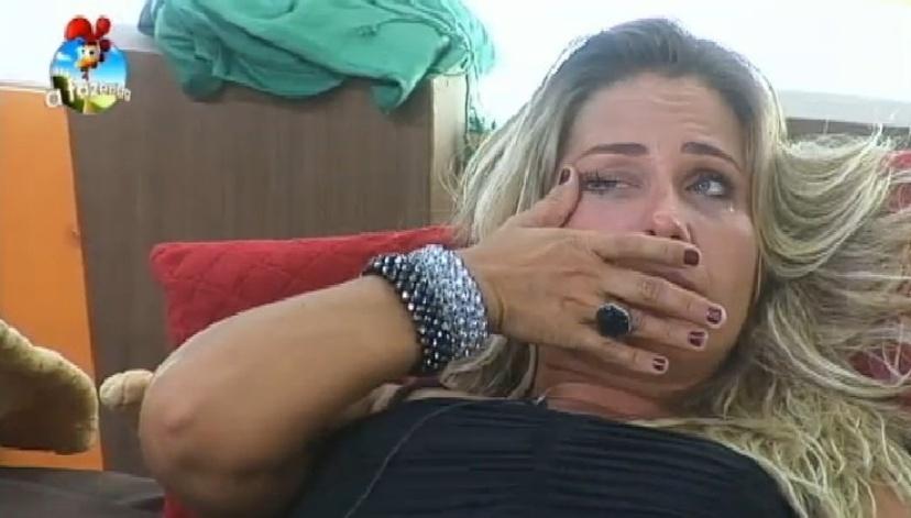 Andréia Sorvetão chora após eliminação de Marlos Cruz