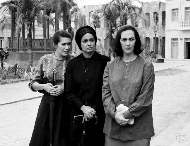 "Cinira (Rosane Gofmann) em ""Tieta"" (1989-1990)"