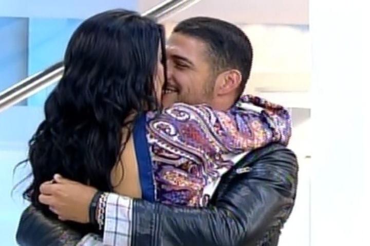 Marlos Cruz reecontra Débora Lyra após