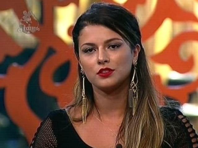 26.nov.2014 - Babi Rossi vota em MC Bruninha para a décima segunda roça de