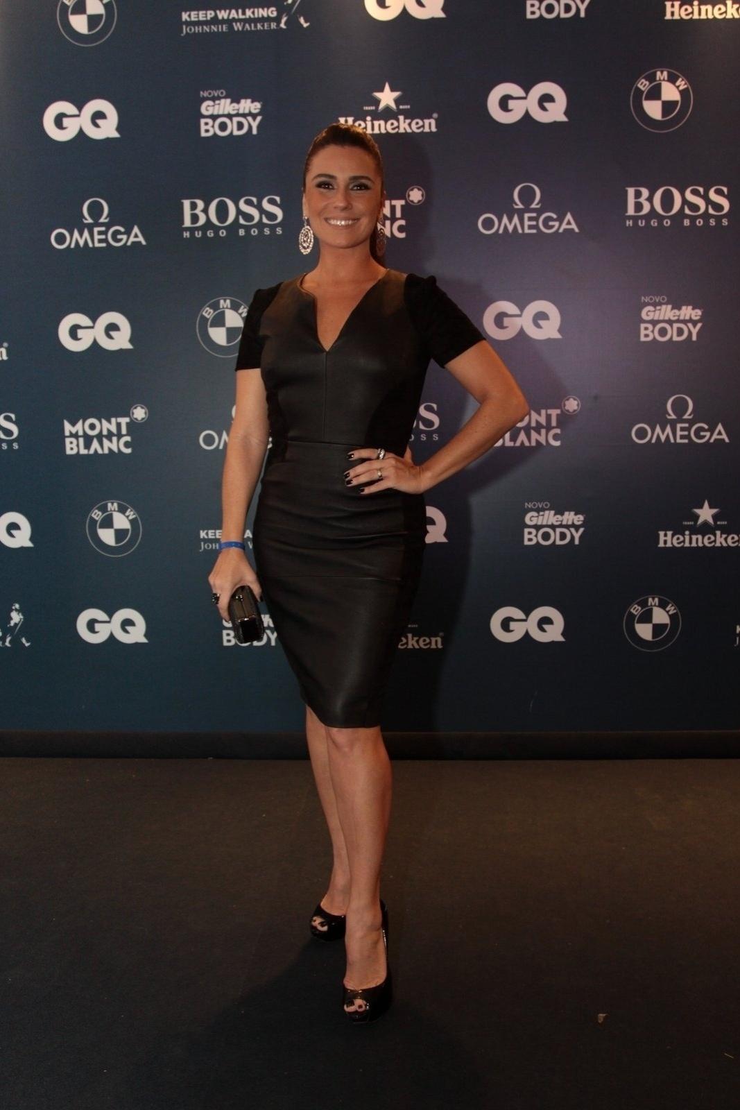 27.nov.2014 - Giovanna Antonelli apostou no pretinho básico no evento