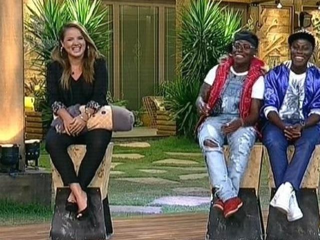 27.nov.2014 - MC Bruninha enfrenta as gêmeas Pepê e Neném na décima segunda roça de