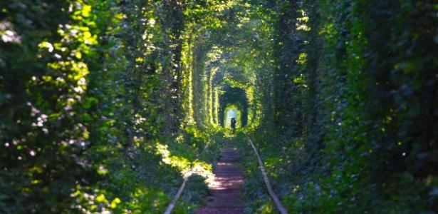 Casal passeia pelo cartão-postal de Klevan, a 350 km de Kiev - Getty Images