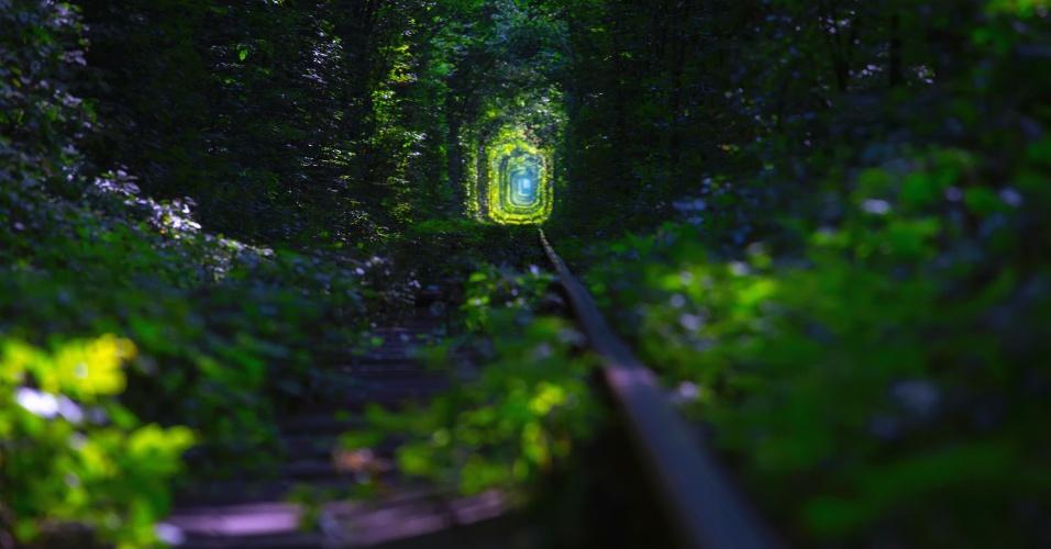 """O """"túnel do amor"""" tem três quilômetros de extensão"""