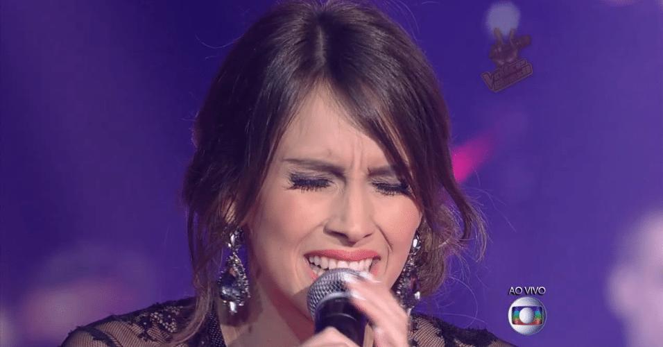 27.nov.2014 - Isadora Morais canta