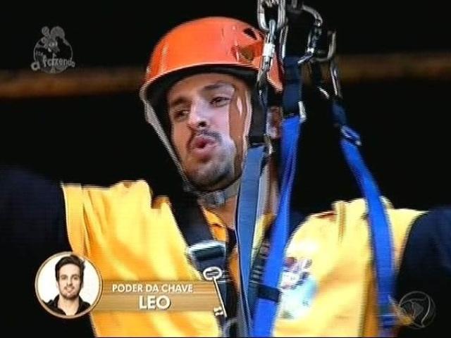 """28.nov.2014 - Leo Rodriguez vence a última prova da arca de """"A Fazenda 7"""""""