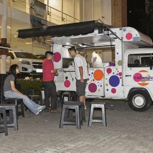 Food Truck, Rolando Massinha Comida na Rua, avenida Sumaré, São Paulo, SP - Murilo Góes/UOL