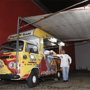Food Truck,Dogão do Betão, avenida Sumaré, São Paulo, SP - Murilo Góes/UOL