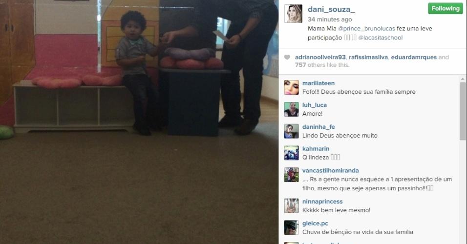 O pequeno Bruno Lucas ficou com vergonha na hora da apresentação dos colegas