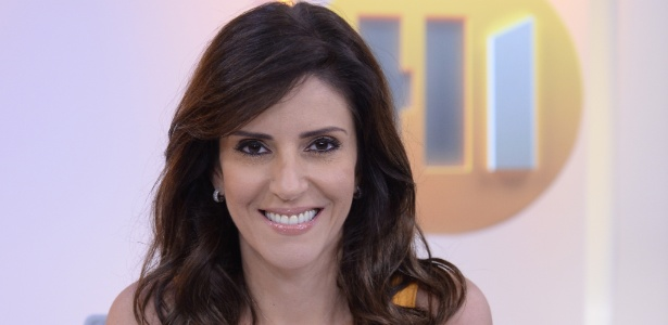 """Monalisa Perrone no cenário do """"Hora Um"""" - Zé Paulo Cardeal/Globo"""