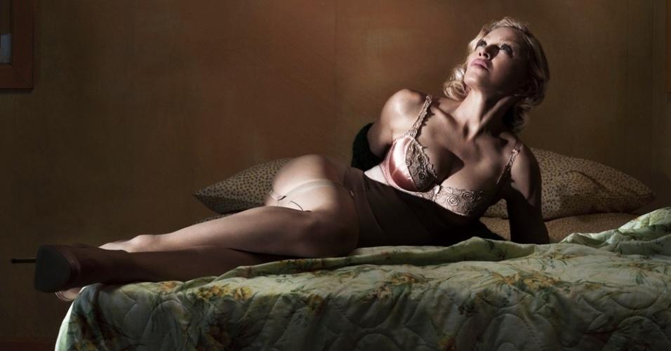 """01.dez.2014 - Madonna em ensaio sensual para a revista """"Interview"""""""