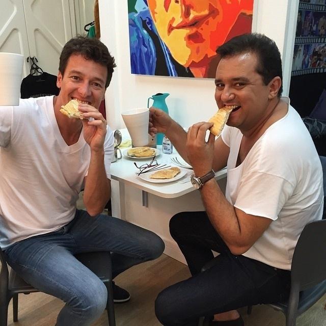01.dez.2014 - Rodrigo Faro publicou um momento de descontração com o colega Geraldo Luís nesta segunda-feira (1º).