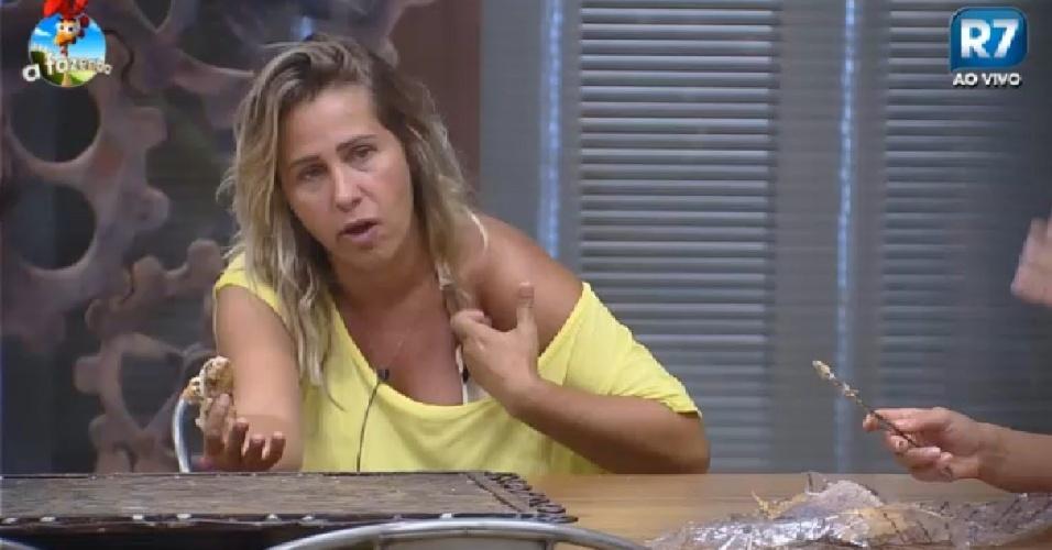 1.dez.2014 - Andréia Sorvetão conversa com Babi em