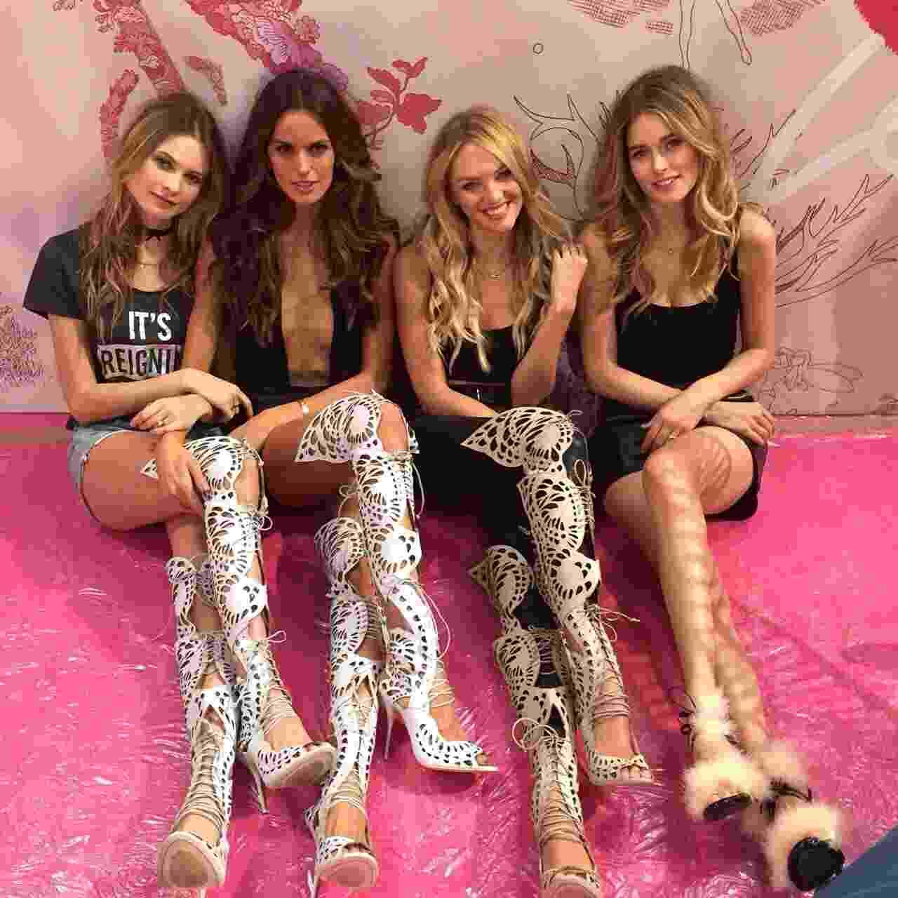 Angels Behati Prinsloo, Izabel Goulart, Candice Swanepoel e Doutzen Kroes em ensaio para o Victoria's Secret Fashion Show 2014 - Reprodução