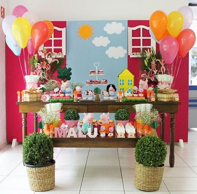 festa peppa pig | Vista geral da mesa com tema