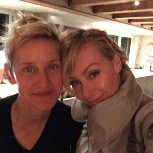 1.dez.2014 - Portia de Rossi e Ellen DeGeneres comemoram 10 anos de relacionamento com foto romântica no Twitter