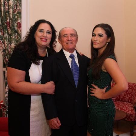 Renato Aragão com a mulher, Lilian, e a filha, Livian - Photo Rio News