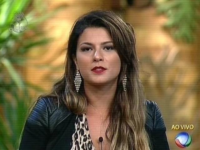 """4.dez.2014 - Babi Rossi diz que não quer ter amizade com peões que foram maldosos com ela em """"A Fazenda 7"""""""