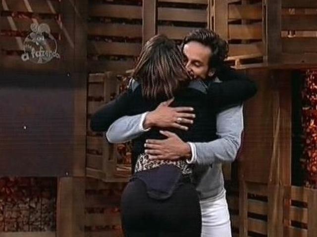 """4.dez.2014 - Babi Rossi vence a 14ª roça de """"A Fazenda 7"""" e Leo Rodriguez é eliminado de """"A Fazenda 7"""""""