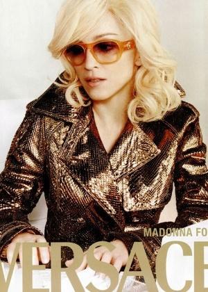 Madonna em campanha antiga para Versace - Divulgação