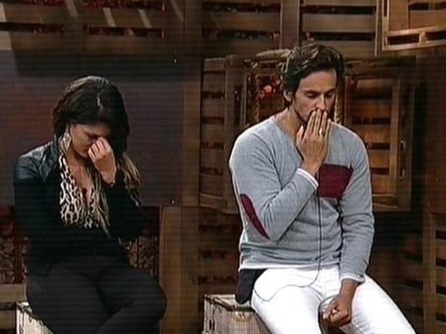 4.dez.2014 - Babi Rossi e Leo Rodriguez ficam aflitos antes de saber o resultado da 14ª roça de