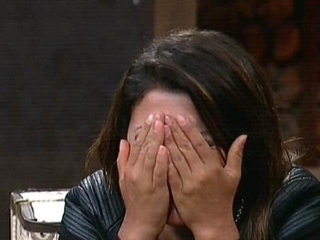 """4.dez.2014 - Babi Rossi se emociona ao saber que venceu Leo Rodriguez na 14ª roça de """"A Fazenda 7"""""""