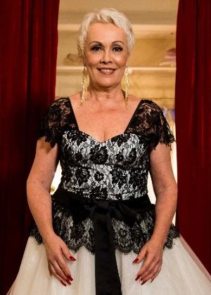 """Analu Prestes vive Shirley, a namorada cabeleireira de Chalita, Flávio Migliaccio, em """"Tapas & Beijos"""""""