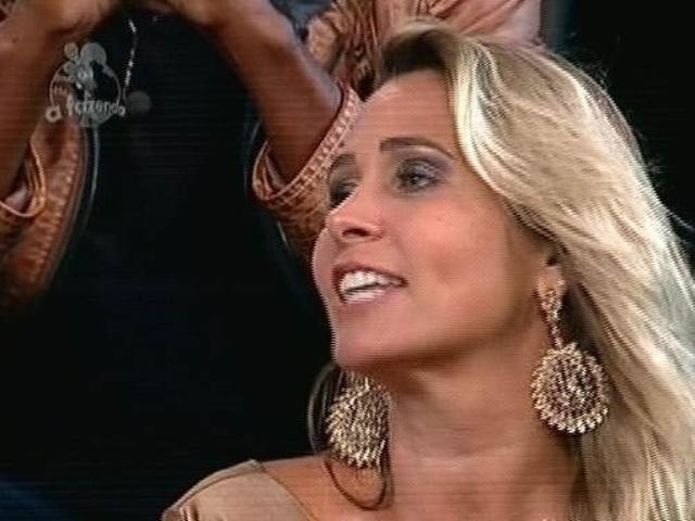 """5.dez.2014 - Andréia Sorvetão vota em Pepê e Neném na última roça de """"A Fazenda 7"""""""