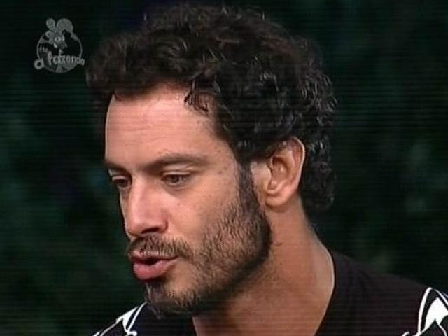 """5.dez.2014 - Diego Cristo vota em DH na última roça de """"A Fazenda 7"""""""