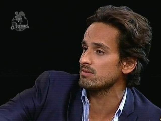 """5.dez.2014 - Leo Rodriguez diz que torce por DH e Babi Rossi e vota em Pepê e Neném para a última roça de """"A Fazenda 7"""""""