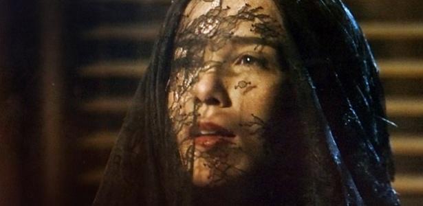 """Cora (Marjorie Estiano) ressurgiu em """"Império"""" para ter a esperada de noite de amor com Zé Alfredo (Alexandre Nero)"""
