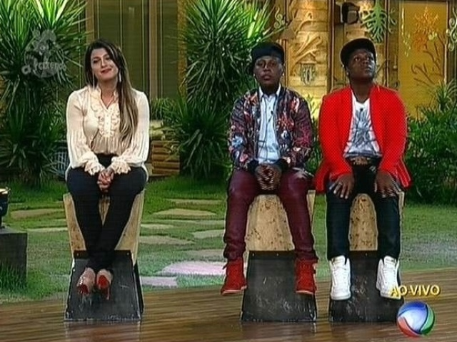 """7.dez.2014 - Babi Rossi enfrenta Pepê e Neném na última roça de """"A Fazenda 7"""""""