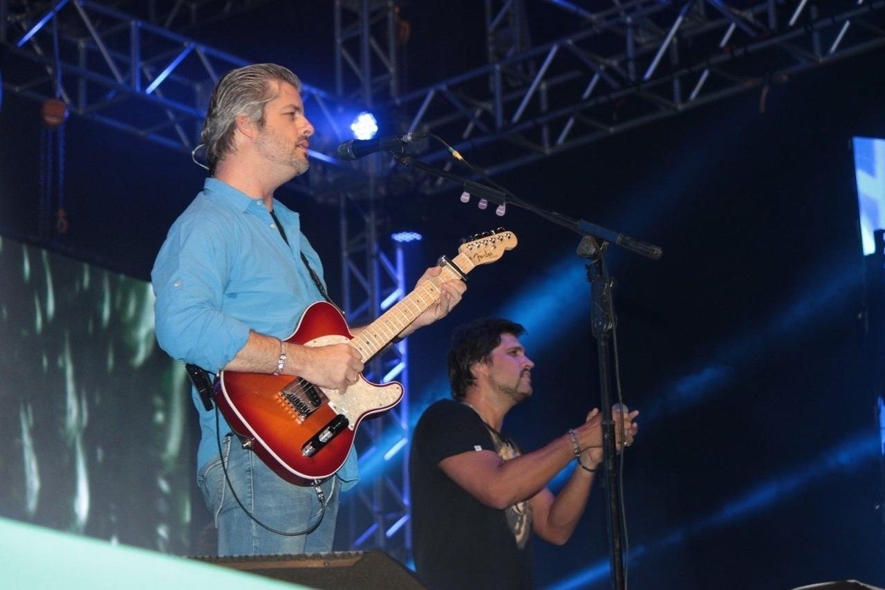 8.dez.2014 - Victor e Leo se apresentam no aniversário de 60 anos da cidade de Mauá, na grande São Paulo, nesta segunda-feira