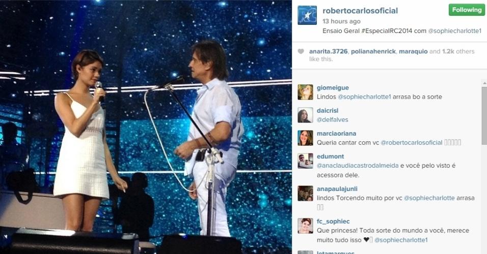 8.dez.2014 - Sophie Charlotte cantará com Roberto Carlos a música