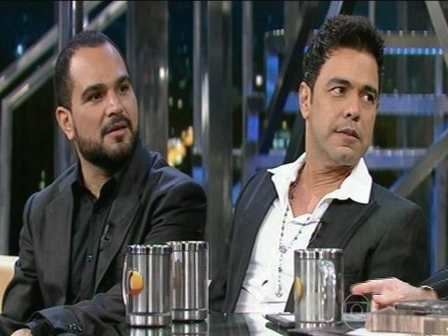 """10.dez.2014 - Zezé Di Camargo e Luciano falam sobre a carreira em entrevista ao """"Programa do Jô"""""""