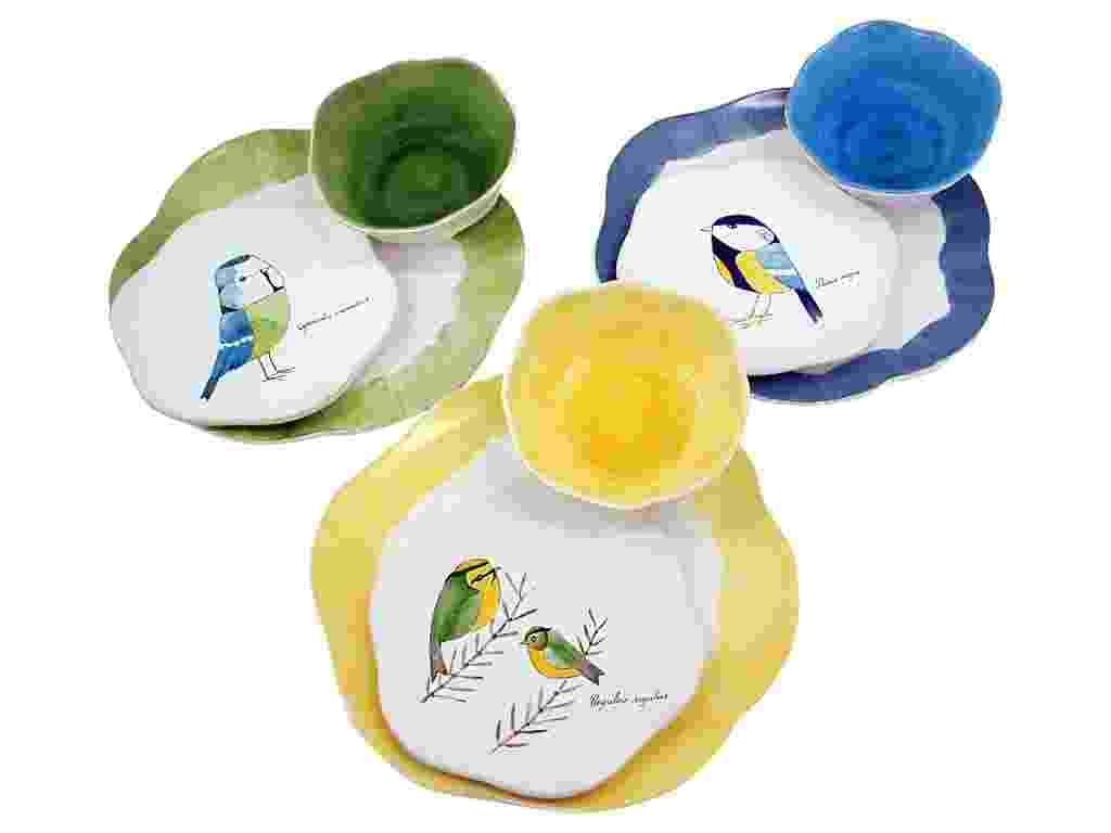 A linha Brésil, da Secrets de Famille (www.secretsdefamille.com.br) é assinada por Edith Farjalla e fabricada em porcelana. As peças coloridas são vendidas separadamente por R$ 120 (prato para saladas) a R$ 179 (prato para jantar) - Divulgação