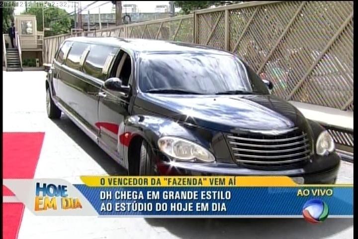 """Dh chega de limousine no programa """"Hoje em Dia"""""""